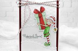 Kartka czerwona z elfem z prezentem BNR 020