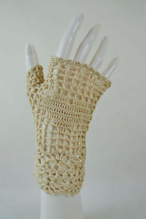 Romantyczne rękawiczki beżowe - rękawiczki beżowe