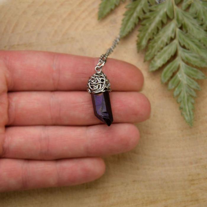 Wisiorek talizman kwarc tytanowy fioletowy  - Idealny prezent dla niej