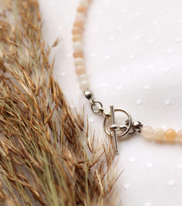 Naszyjnik z awenturynem - naszyjnik z modnym zapięciem z awenturynem