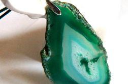 Surowy, nieregularny plaster agatu, zielony