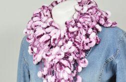 pom-pon scarf  - bakłażan z bielą