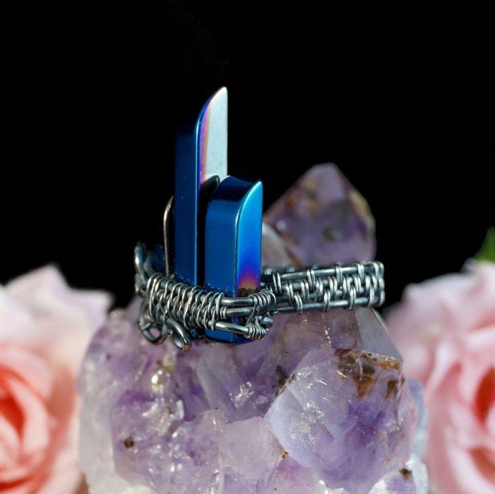 Srebrny pierścionek z hematytem niebieskim - pierścionek wire wrapped