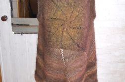 sweter narzutka w kształcie koła w brązach