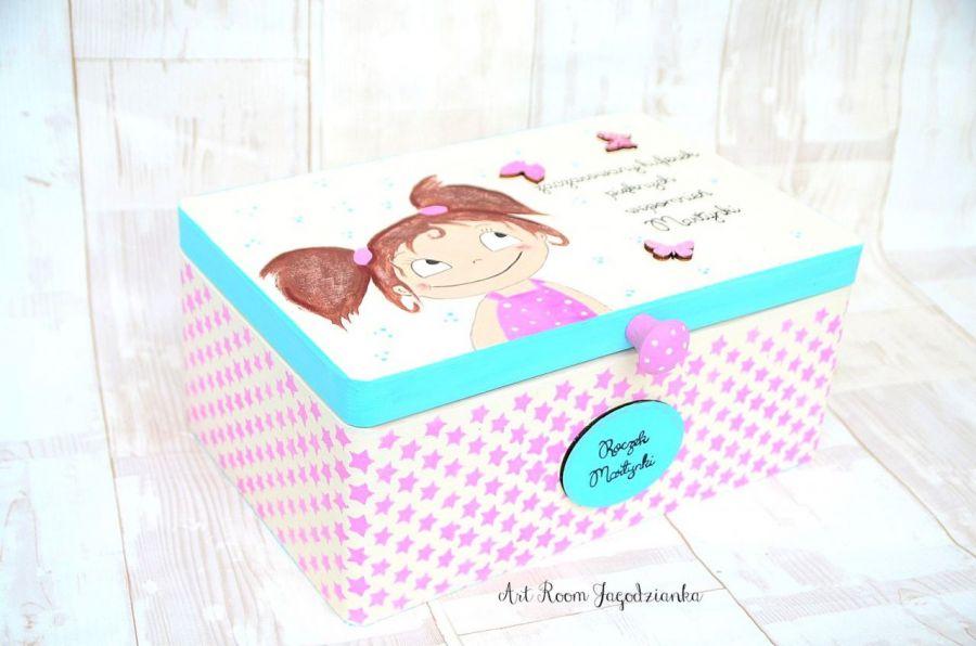Kufer z gałką dla dziewczynki BUTTERFLIES -