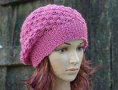 Różowa czapka beret
