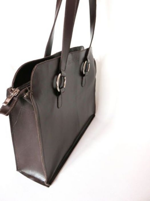 Skórana torebka kuferek