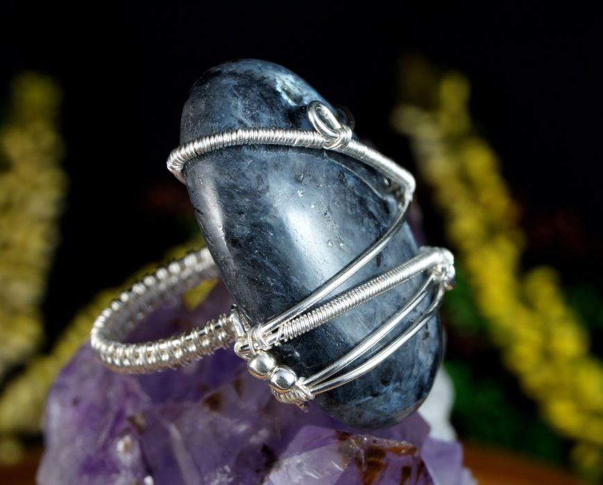 Larvikit, srebrny pierścionek z larvikitem