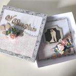 Kartka ślubna na ślub kwiaty w pudełeczku -