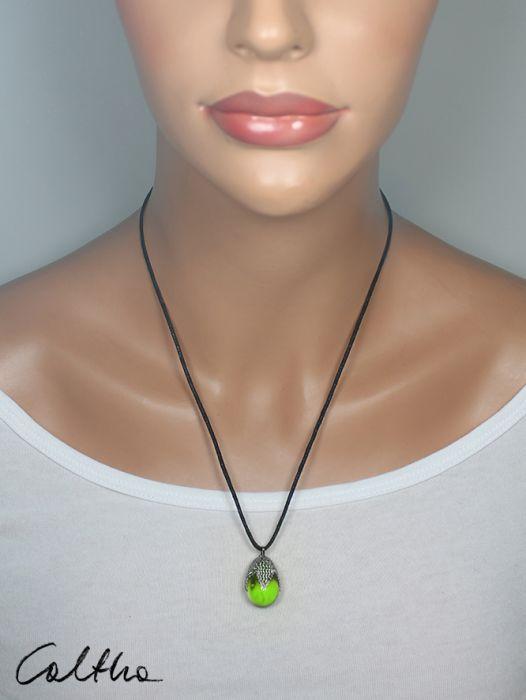 Zielony w siateczce - wisior - Prosty naszyjnik
