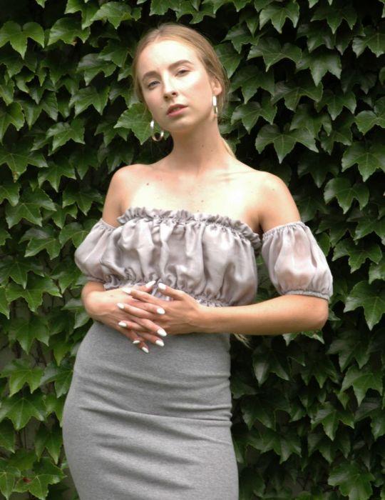 szaro-srebrna bluzeczka z narękawkami - szaro-srebrny top