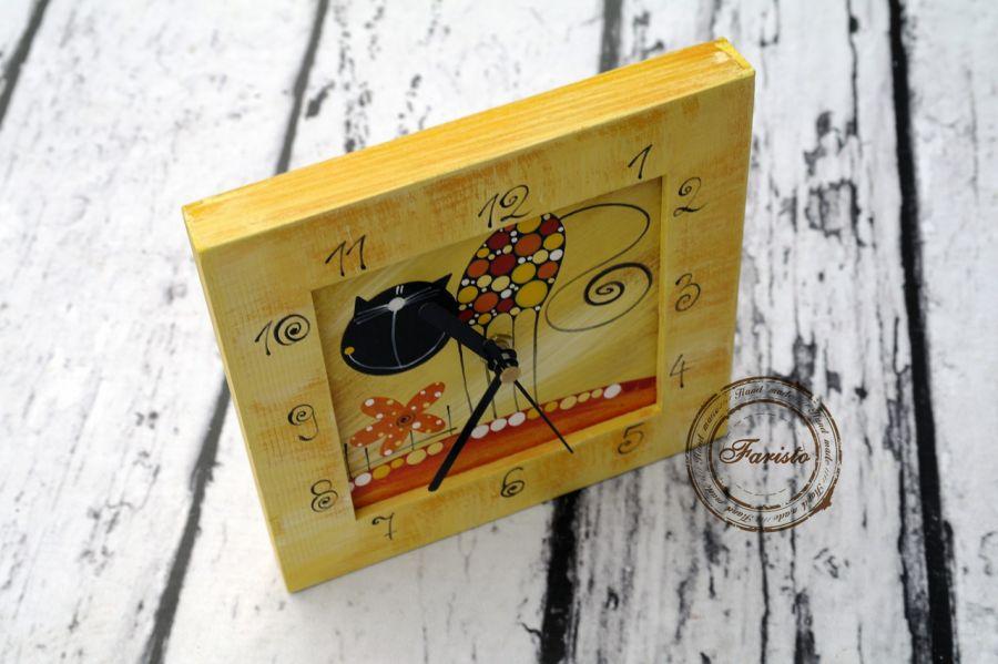 zegar mały z kotkiem