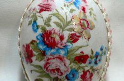 Jajko z bukietem kwiatów (02)