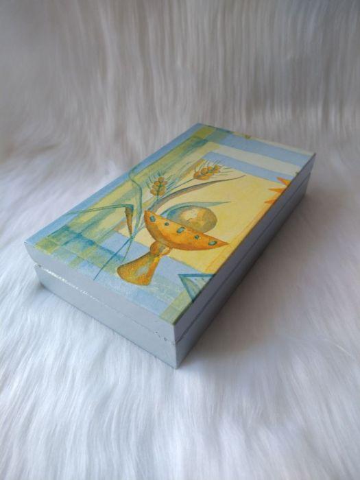 pudełko na banknoty pamiątka I Komunia Św. - z boku