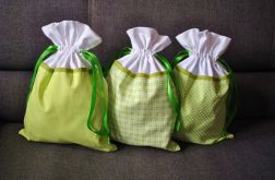 Trzy worki na bieliznę - w odcieniu zieleni