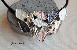 Naszyjnik skórzany grafitowo-perłowy