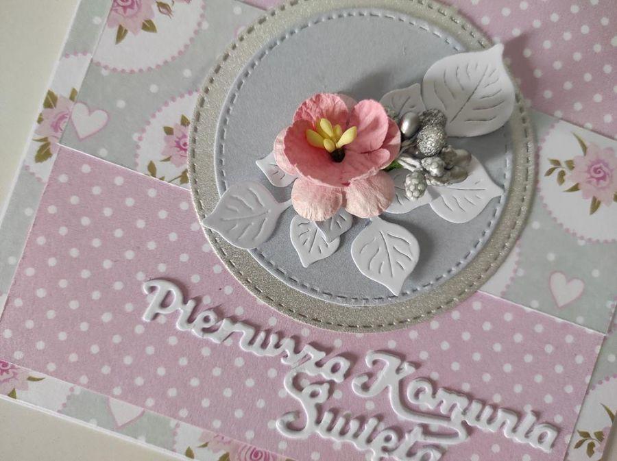 Kartka ęcznie robiona Komunia Święta z kwiatuszkiem -