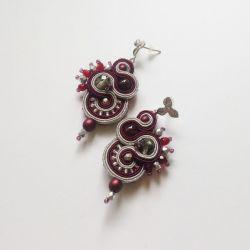 Bakłażanowo-szare kolczyki z matowymi perłami