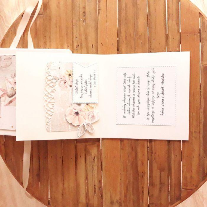 Kartka ślubna z tortem w pudełeczku