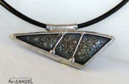Wisior ceramiczny - trójkąt, opal