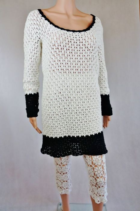 Sweter biało-czarny