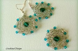 komplet z zielonymi kryształkami