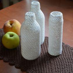 Białe słoiczki/butelki