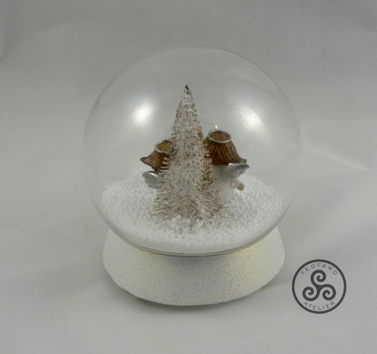 Kula z aniołkami w śniegu - aniołki