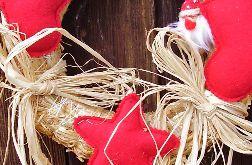 Świąteczny wianek na drzwi krasnale