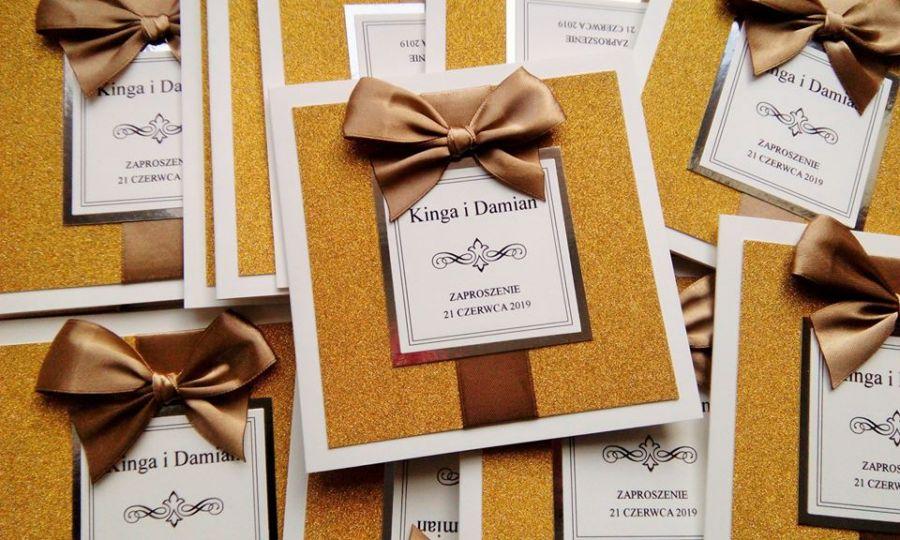 Zaproszenia ślubne glamour z brokatem