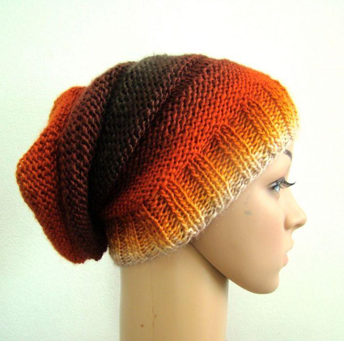 długa czapka w ognistych barwach - drugi bok