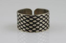 Srebrny pierścionek - rybia łuska