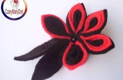 Broszka z filcu - kwiat