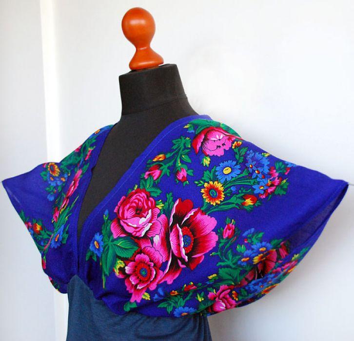 Chabrowa kimonowa bluzka w kwiaty