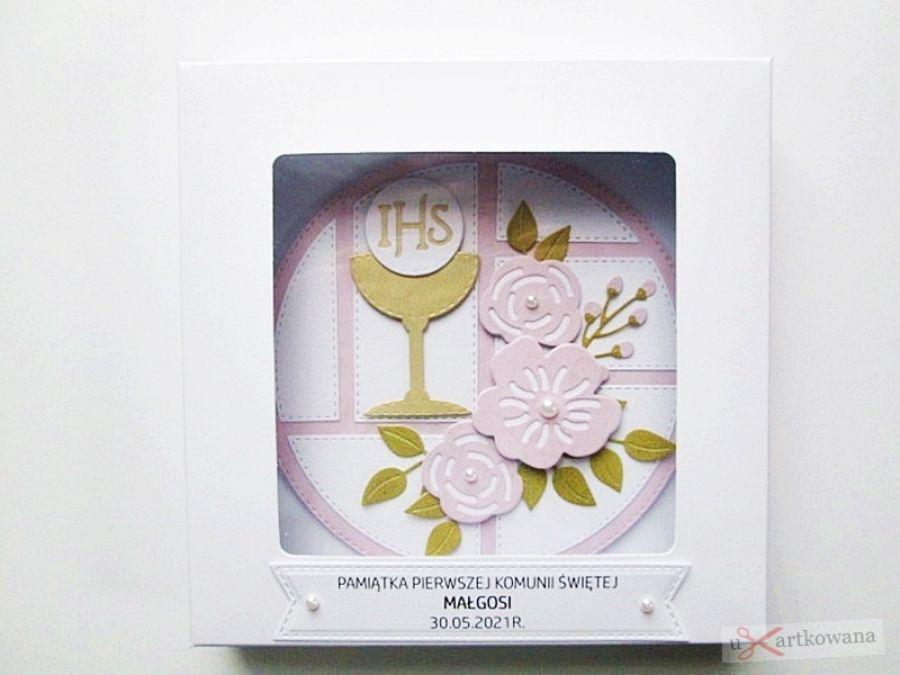 Kartka PAMIĄTKA I KOMUNII z kielichem #21 - Biao-różowa kartka na komunię z kielichem