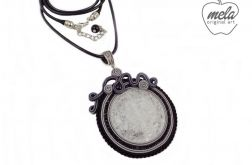 ~mela stone~wisior sutasz ISEI kryształ