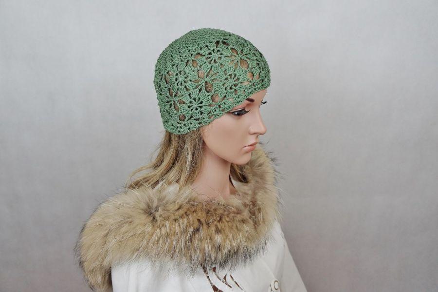 Czapka w zieleni z bawełny - Czapka ażurowa