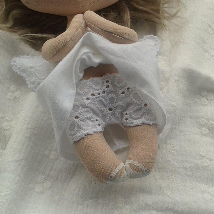 ANIOŁEK lalka - dekoracja tekstylna, OOAK/26 - mam haftowane majteczki