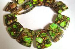 Zielony jaspis z bornitem, ekskluzywna kolia