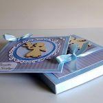 Kartka z pudełkiem na Chrzest niebies aniołek