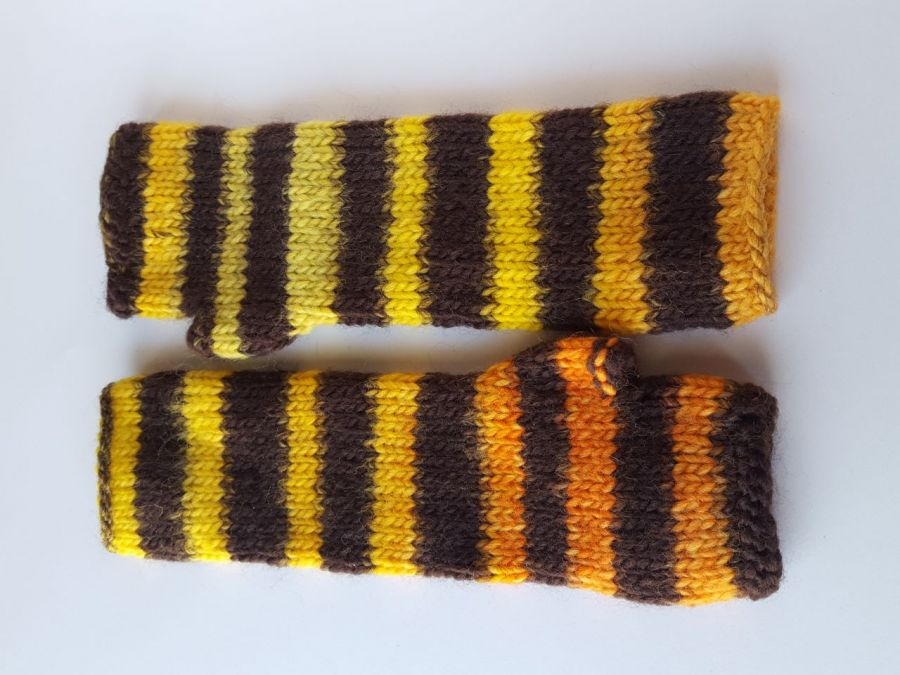 Kolorowe w paseczki pszczółki