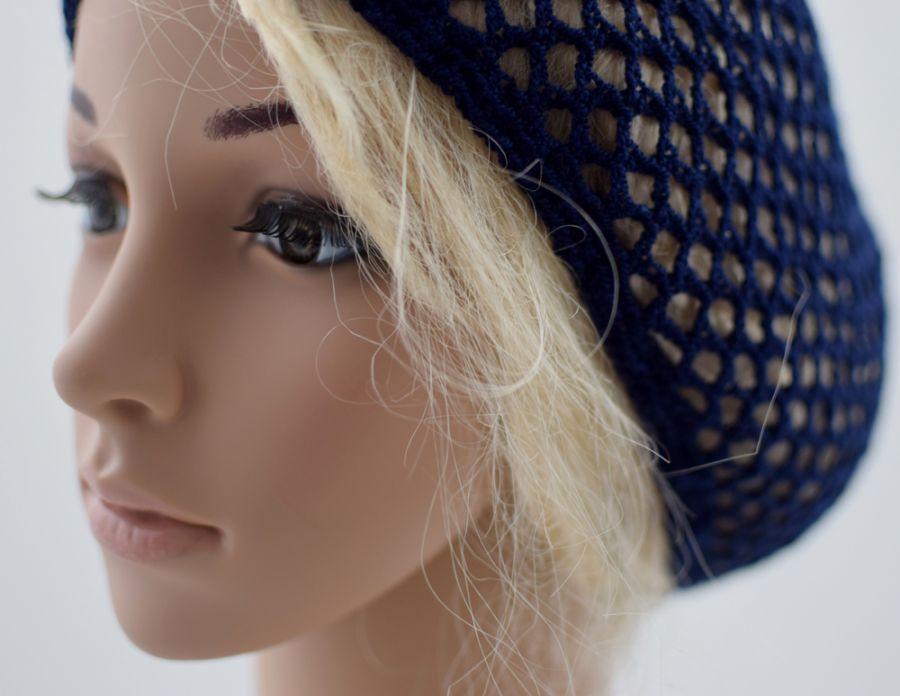 granatowa czapeczka na lato, siatka na włosy