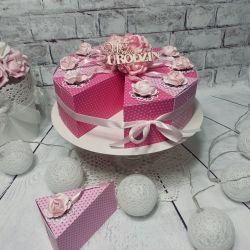 Tort papierowy na urodziny różowy