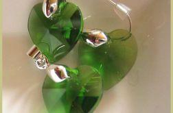 Zielone kryształki w srebrze, wisorek i kolczyki, serduszka