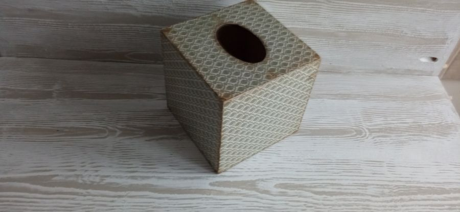 Klasyczny chustecznik - Klasyczny, drewniany chustecznik