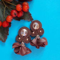 Mleczna czekolada z kwiatowym chwostem kolczy
