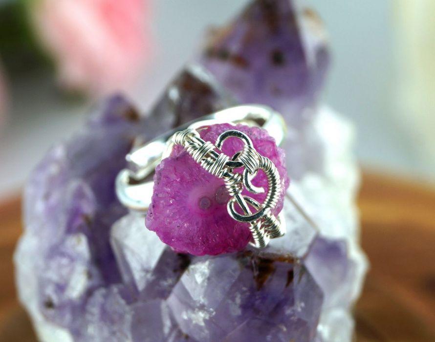 Kwarc, Srebrny pierścionek z kwarcem róż