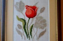 Haftowany obraz z tulipanem