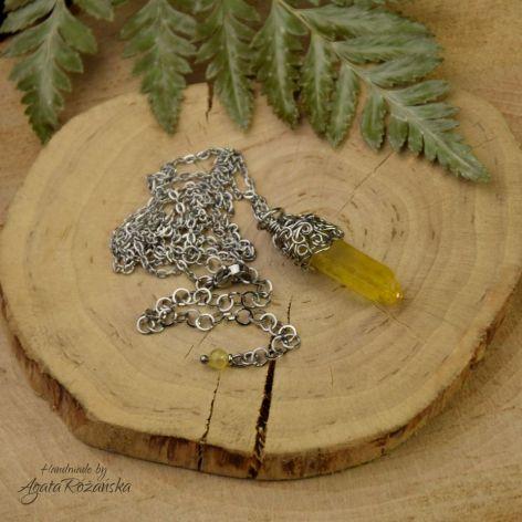 Wisiorek talizman żółty kryształ górski surowy