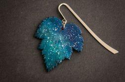Kosmiczna zakładka w formie liścia
